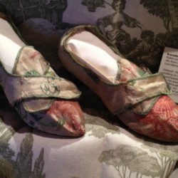 Episode 024: Kimberly Alexander, 18th-Century Fashion & Material Culture